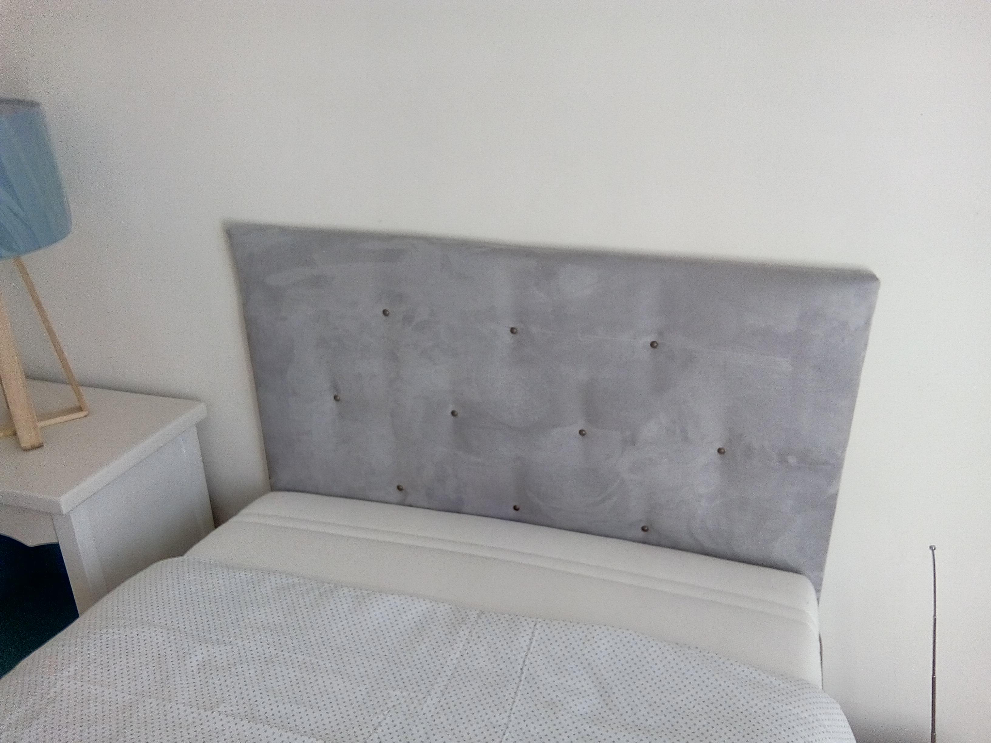 tete de lit en carton amazing modele tete de lit montpellier carton phenomenal tetes de lits. Black Bedroom Furniture Sets. Home Design Ideas